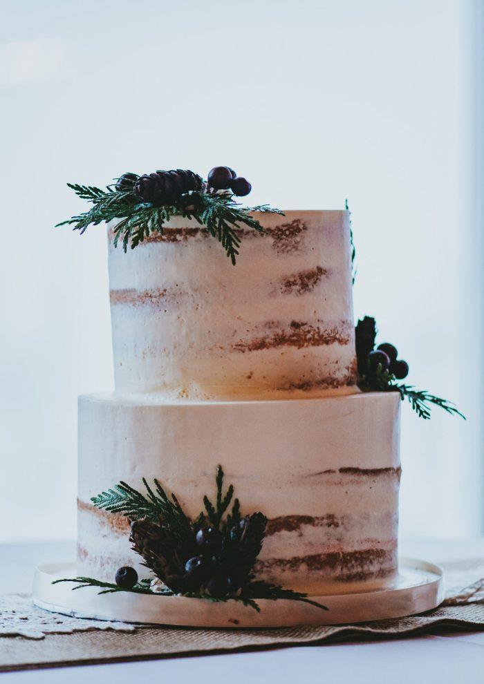 Holiday Wedding Cake with Burgandy