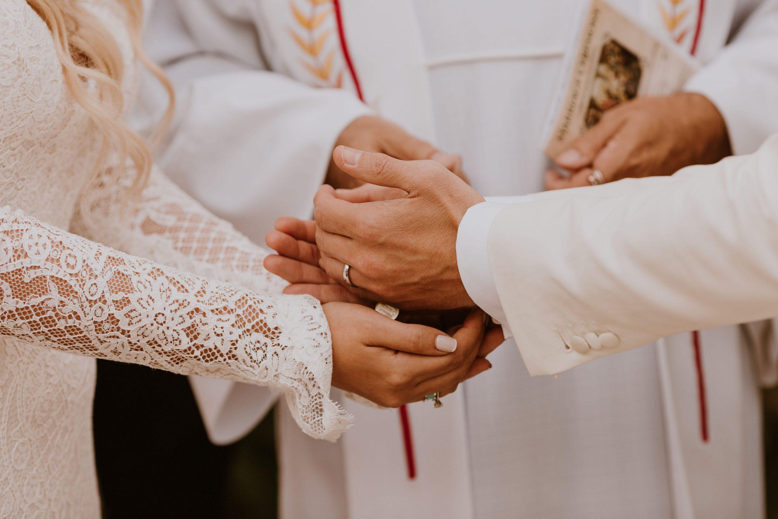 Las Arras Hispanic Wedding Tradition